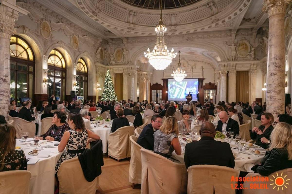 Gala dîne avec les stars